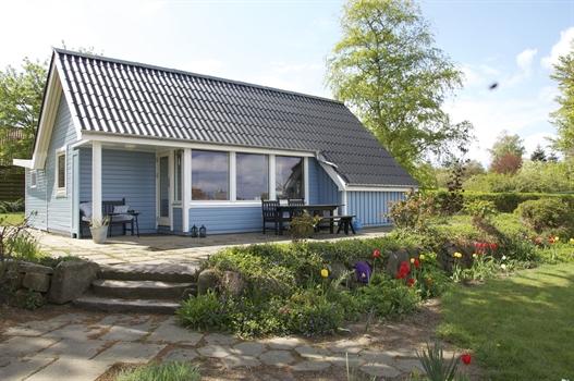 charmantes ferienhaus mit meerblick in s by auf der insel r ferienhaus s by r. Black Bedroom Furniture Sets. Home Design Ideas