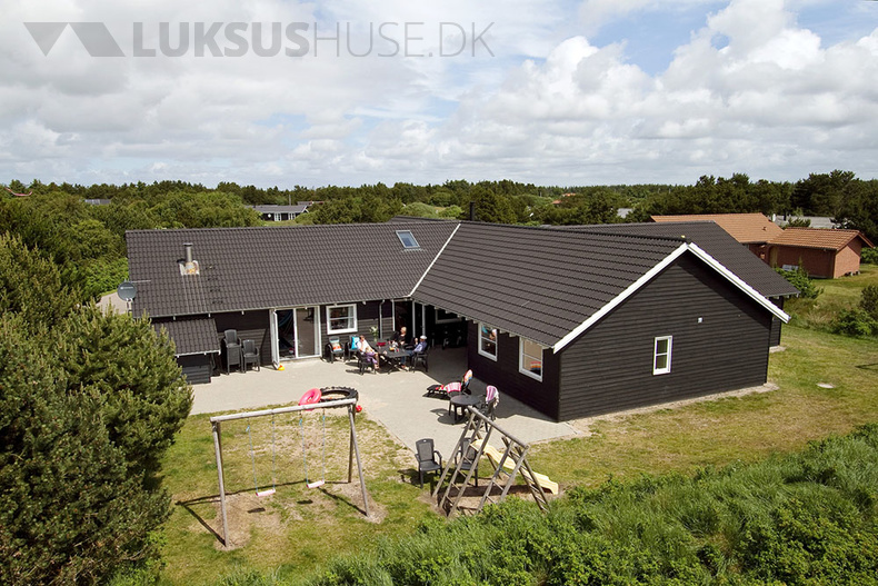 Luxusferienhaus mit Pool in Vejers Strand