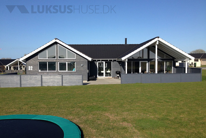 Luxusferienhaus mit Pool in Skastrup strand