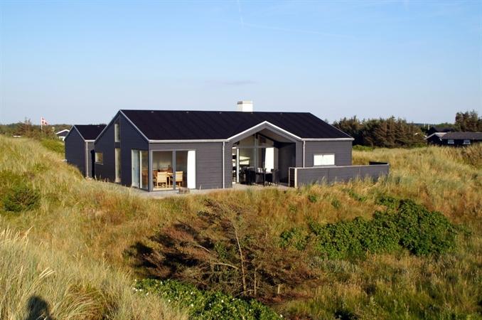 sch nes ferienhaus in gr nh j nordj tland mit spa und blick aufs meer hoch in den d nen. Black Bedroom Furniture Sets. Home Design Ideas