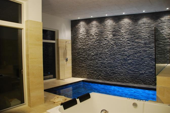 Einzigartiges und modernes luxushaus mit pool sauna und for Modernes luxushaus
