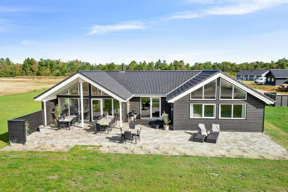 Luxusferienhaus mit Pool in Houstrup Strand