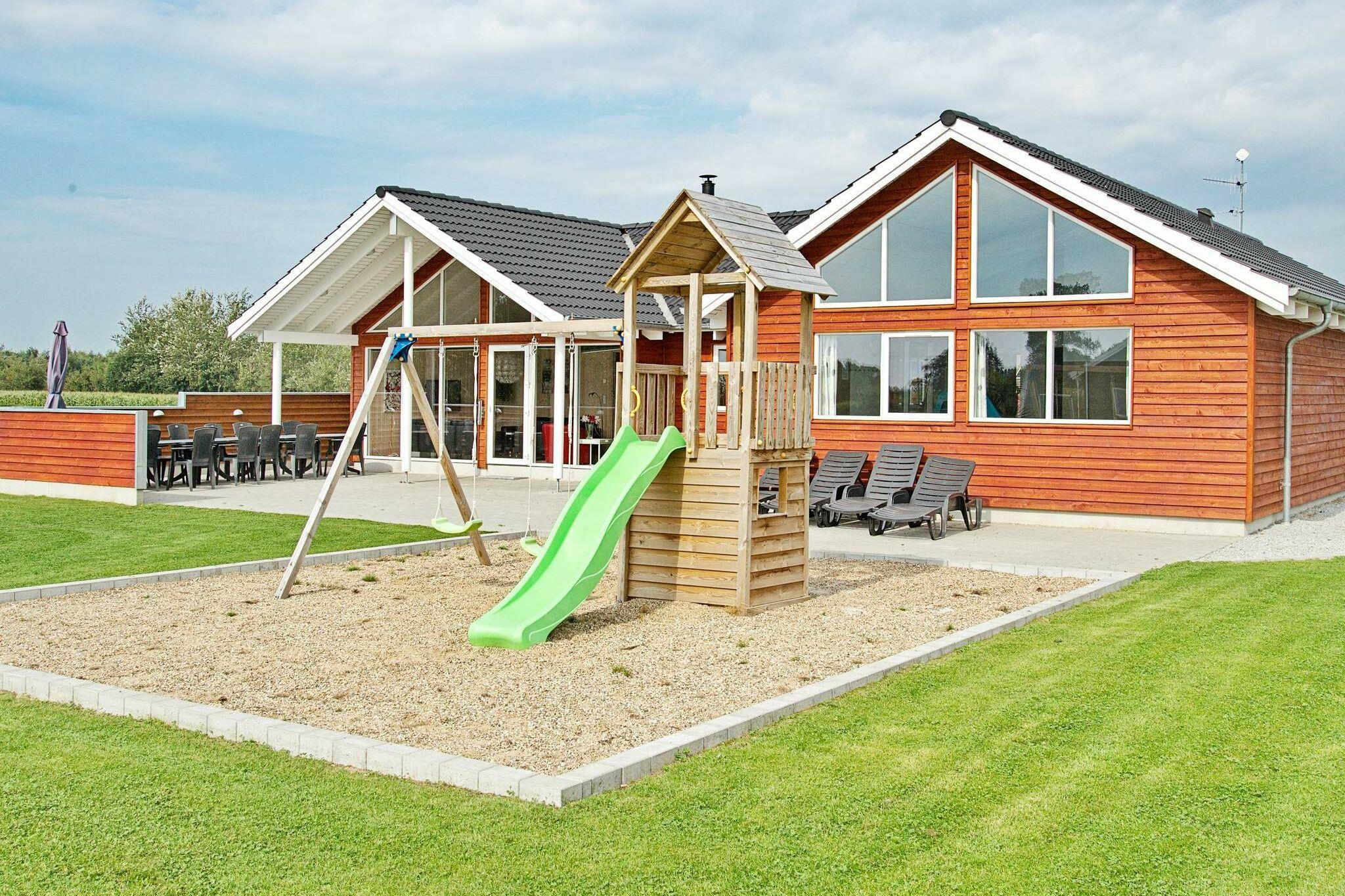 Ferienhaus in Nordborg für 16 Personen