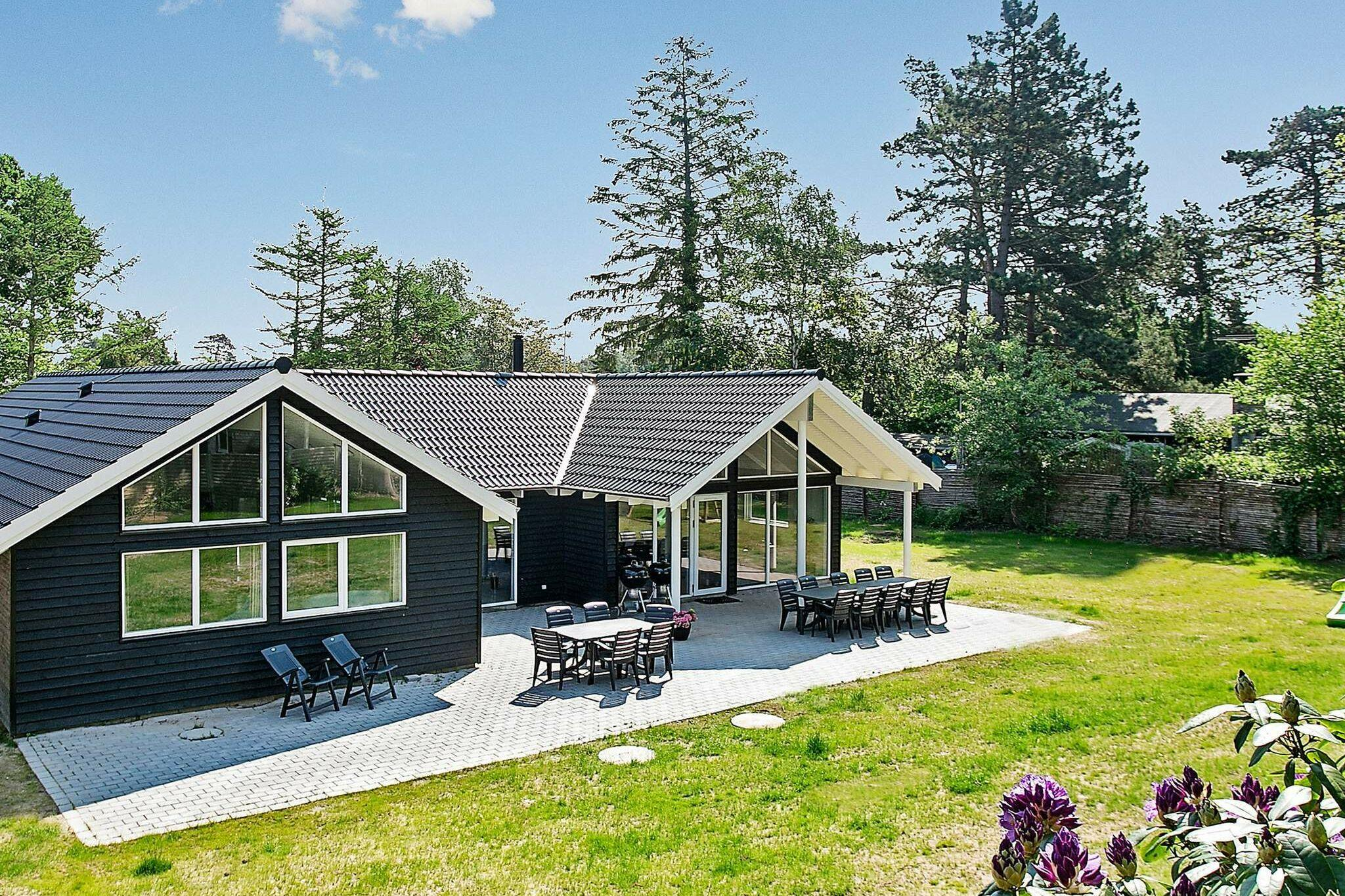 Ferienhaus in Liseleje für 18 Personen
