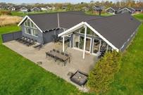 Ferienhaus in Marielyst für 18 Personen